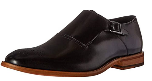testing the Stacy Adams Dinsmore plain toe leather shoe